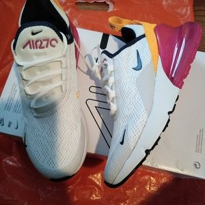 Air Max 270 pink and white 5.5 NEW